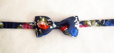 noeud papillon enfant jeans et fleur